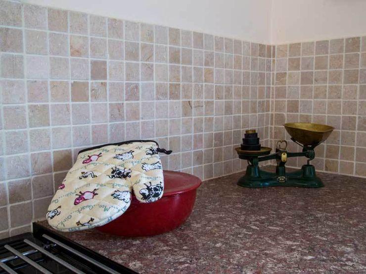 KITCHEN TILES DT Stone Ltd Kitchen