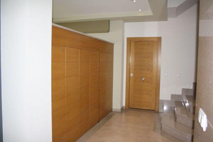 MUDEYBA S.L. Koridor & Tangga Modern