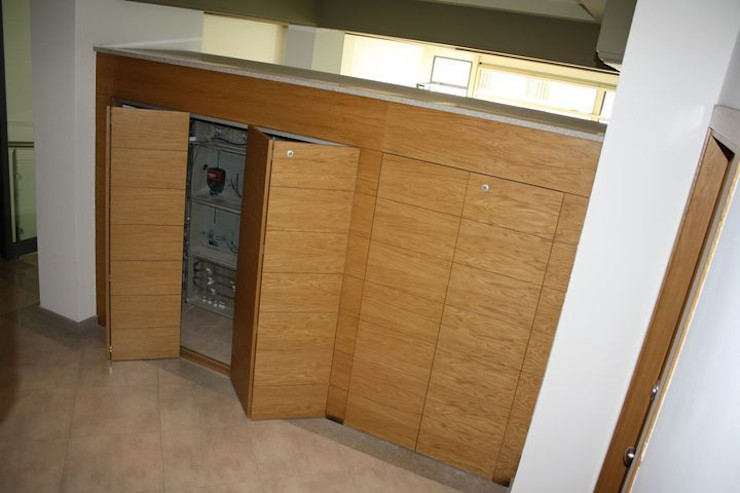 MUDEYBA S.L. Corridor, hallway & stairsLighting