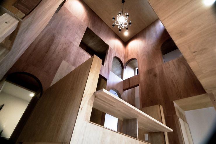 Ik-house AtelierorB ミニマルデザインの 多目的室 合板(ベニヤ板) 木目調