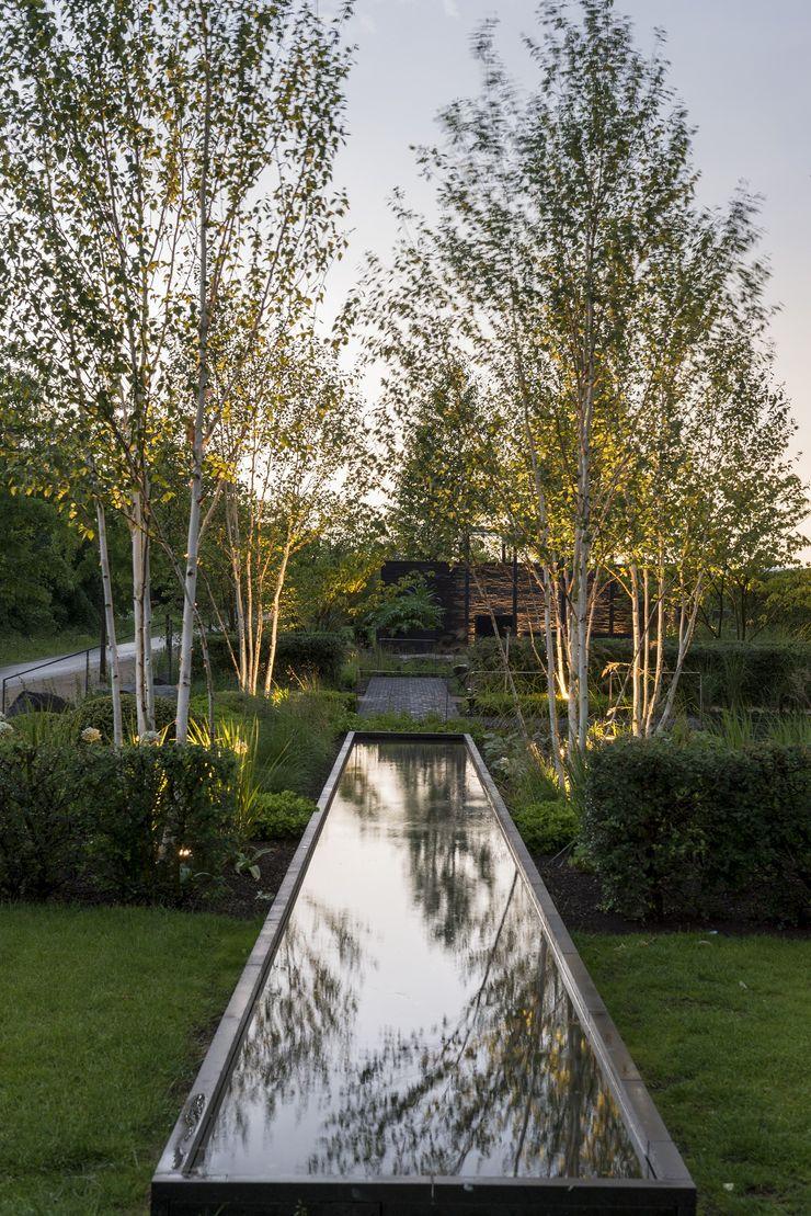 Wasser - Spiegel des Himmels GartenLandschaft Berg & Co. GmbH Moderner Garten