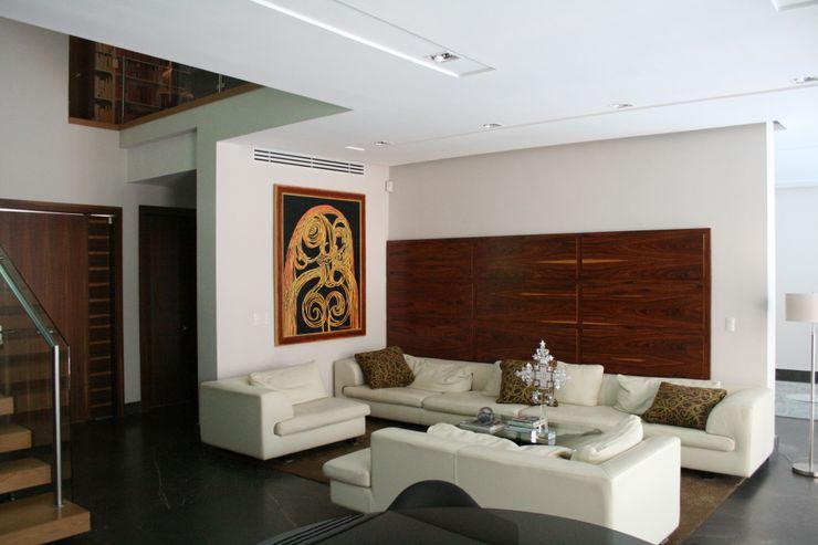 KAUS Modern Living Room