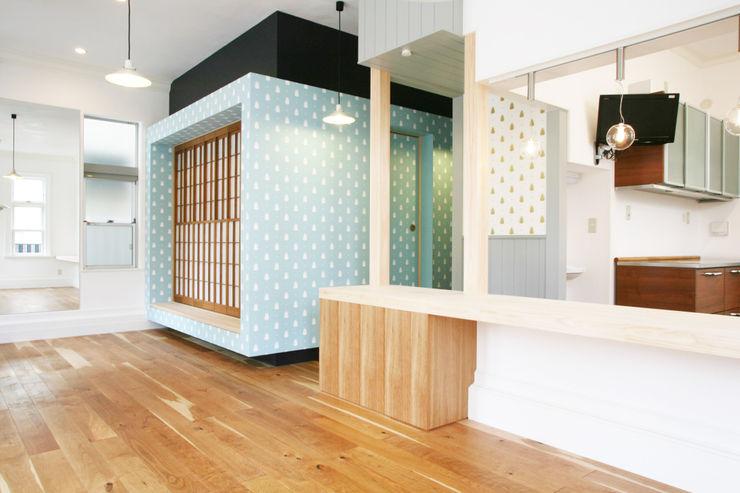 プレゼントボックス 戸田晃建築設計事務所 ミニマルデザインの ダイニング