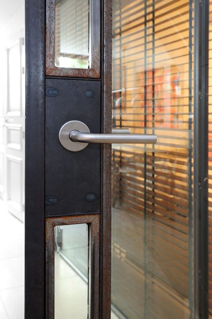 Kodde Architecten bna Industrial style windows & doors