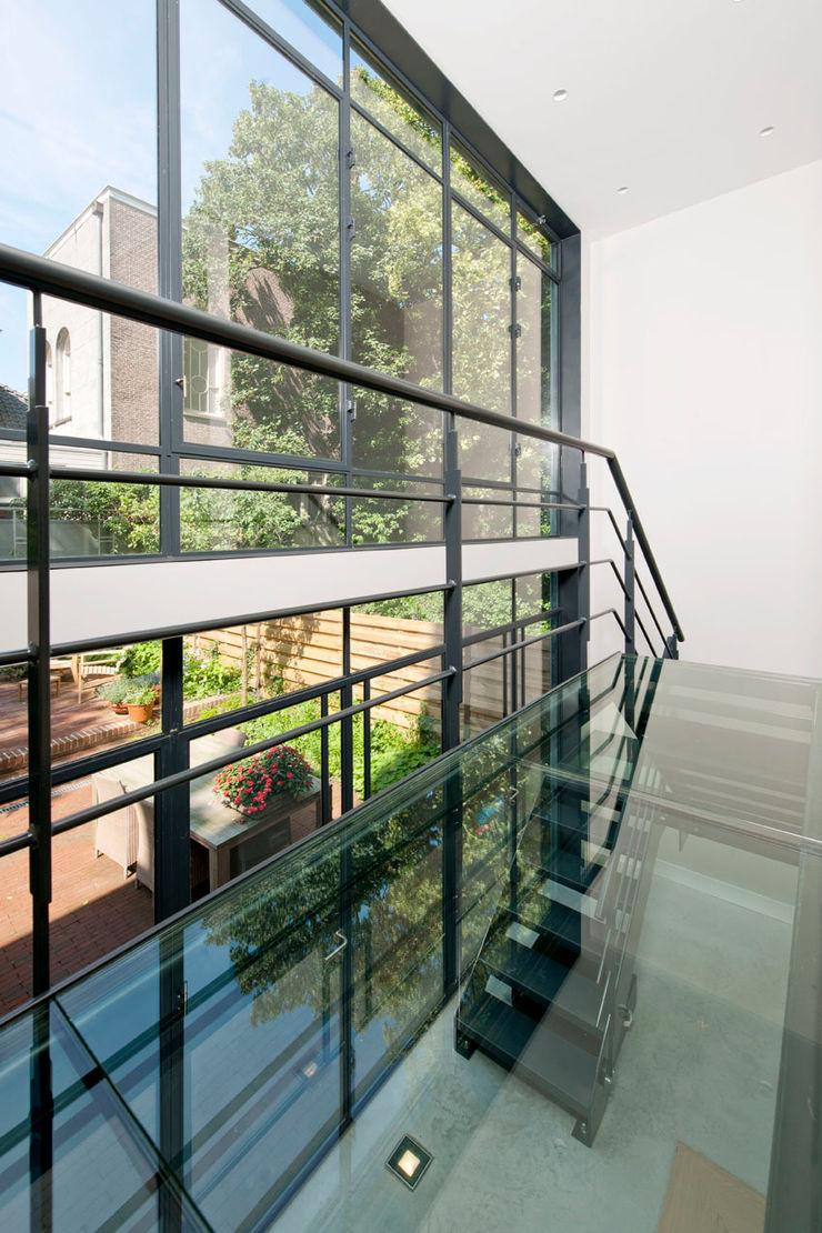 Kodde Architecten bna industrial style corridor, hallway & stairs