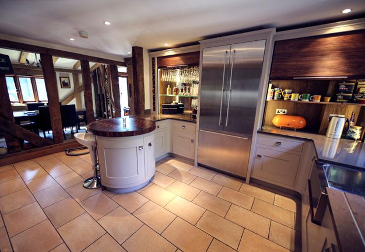 Sensational storage solutions Jane Cheel Furniture ltd Кухня