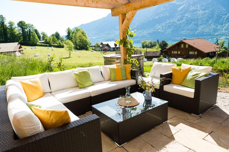 Visions Haus Modern Terrace