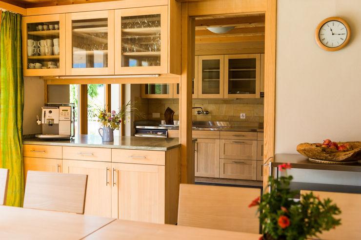 Visions Haus Modern Kitchen