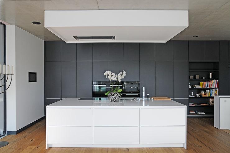 Seidel+Architekten Modern kitchen
