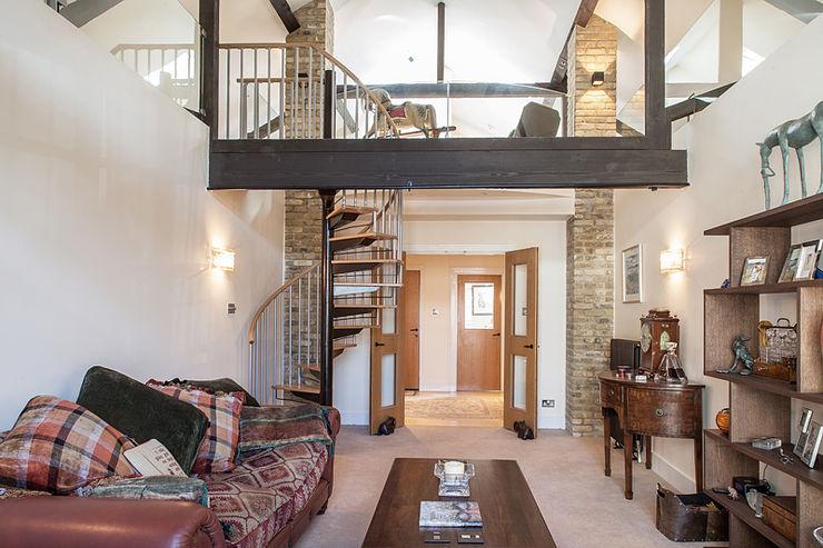 Millennium Drive : Mezzanine Space Nic Antony Architects Ltd Rustic style living room