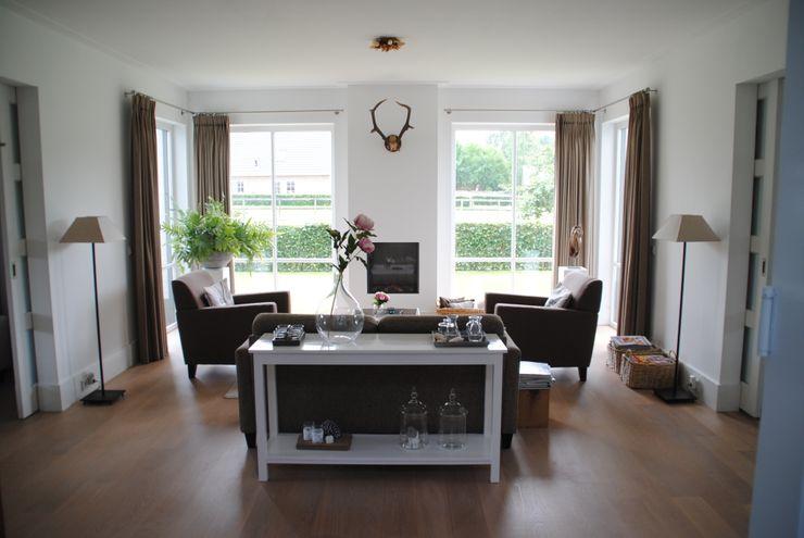 halma-architecten Wohnzimmer im Landhausstil
