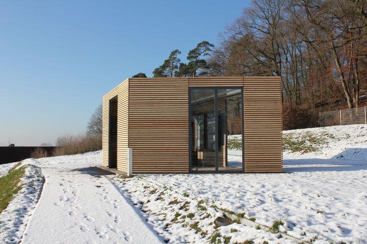 Design Pavillon Stahlkubus mit Holzbelattung FMH Fellbacher Metall- und Holzbau GmbH Moderne Museen