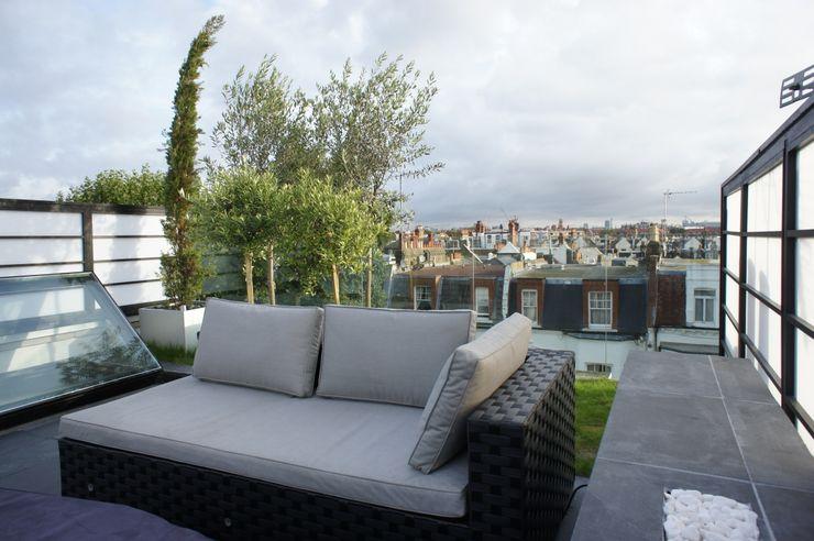 Fulham Roof Terrace Organic Roofs Minimalist balcony, veranda & terrace