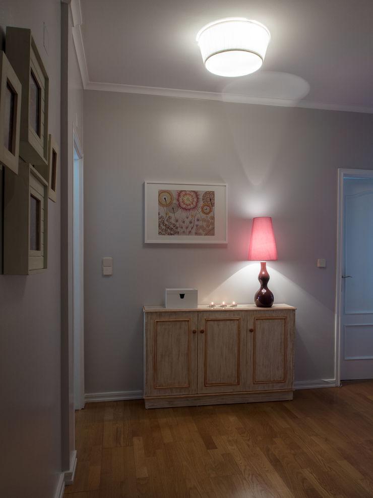 Apartamento em Sintra MUDA Home Design Corredores, halls e escadas modernos