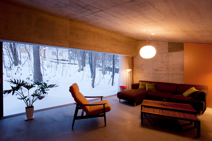雁木のある家 YASUO TERUI Architects Inc. オリジナルデザインの リビング