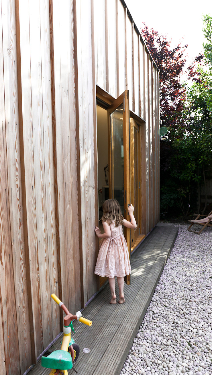 Detail of doors in rear elevation Neil Dusheiko Architects Modern houses