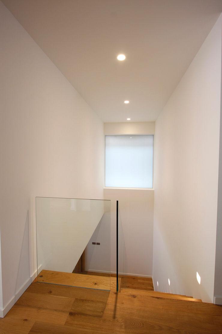 North London House Extension Caseyfierro Architects Modern corridor, hallway & stairs