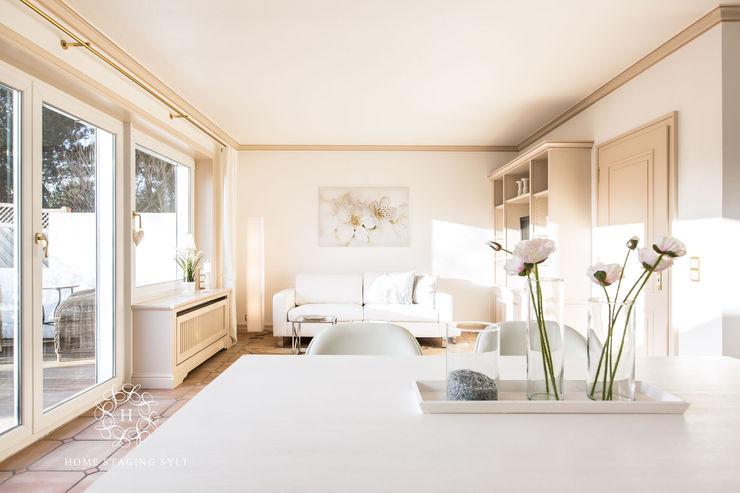 Home Staging Sylt GmbH Ruang Keluarga Klasik