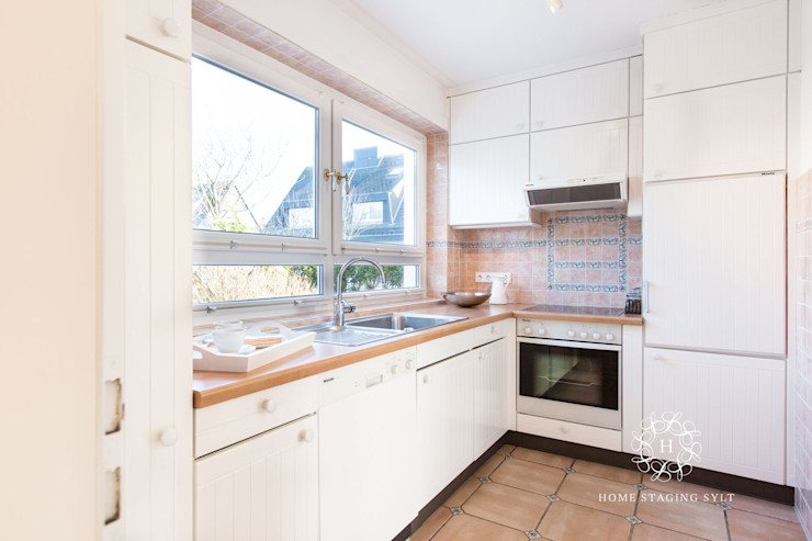 Home Staging Sylt GmbH Classic style kitchen