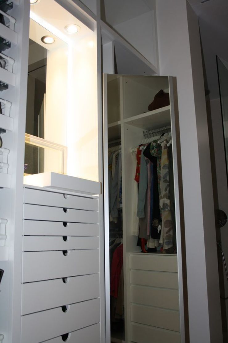 MUDEYBA S.L. Dressing roomMirrors