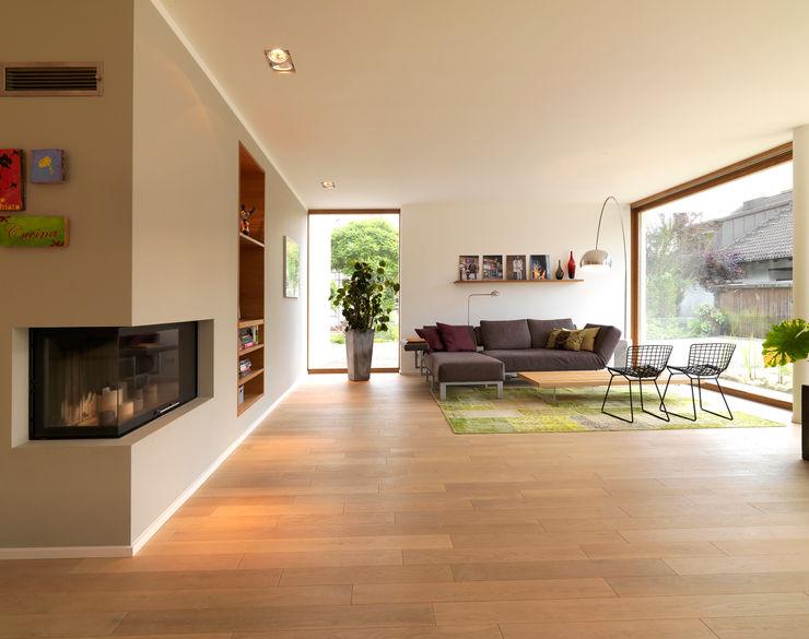 Bermüller + Hauner Architekturwerkstatt Salones de estilo minimalista