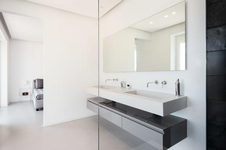 stefania eugeni Minimalist style bathroom