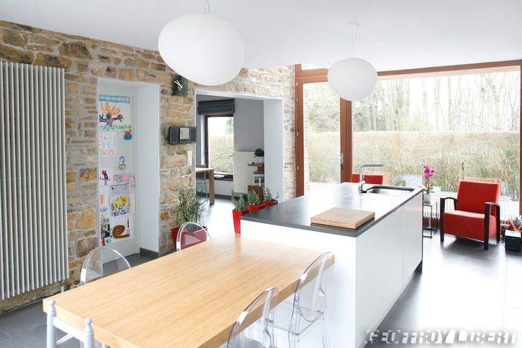 François Elleboudt architecte SPRL Cocinas de estilo moderno