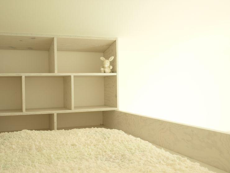 Viktor Filimonow Architekt in München Nursery/kid's roomBeds & cribs