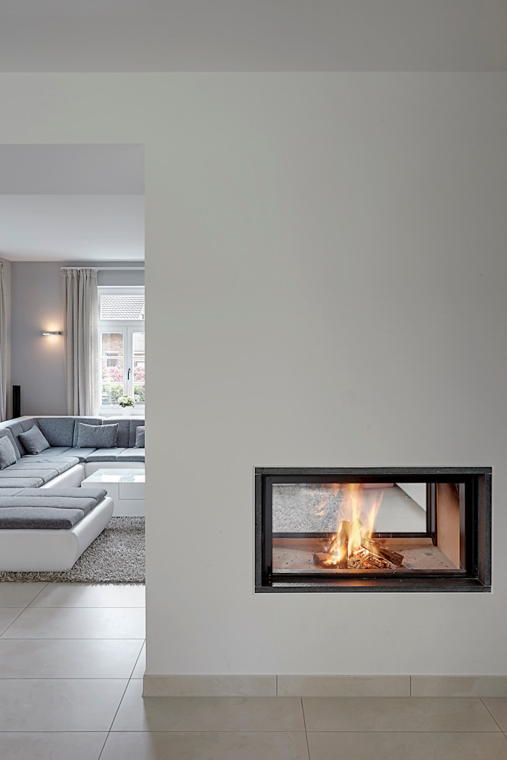 28 Grad Architektur GmbH Living roomFireplaces & accessories