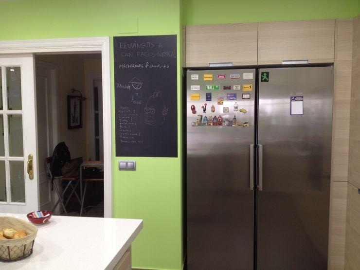 El Masnou Nivell Estudi de Cuines, S.L Cocinas de estilo minimalista
