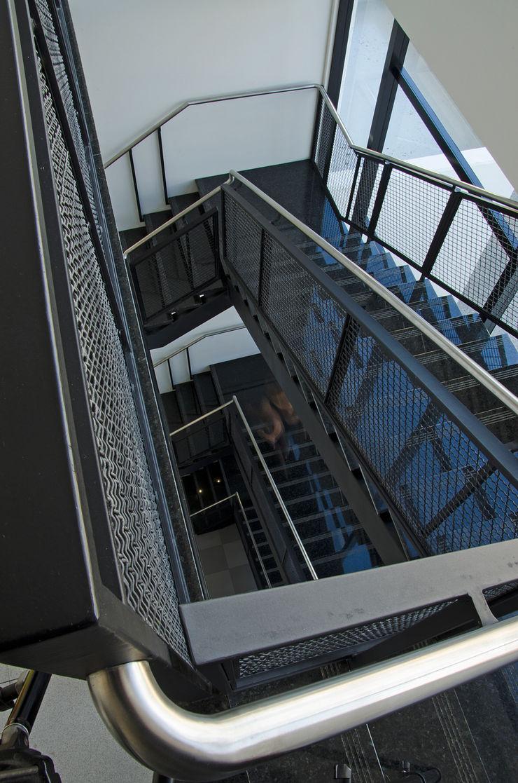 Logi Arquitetura Modern office buildings