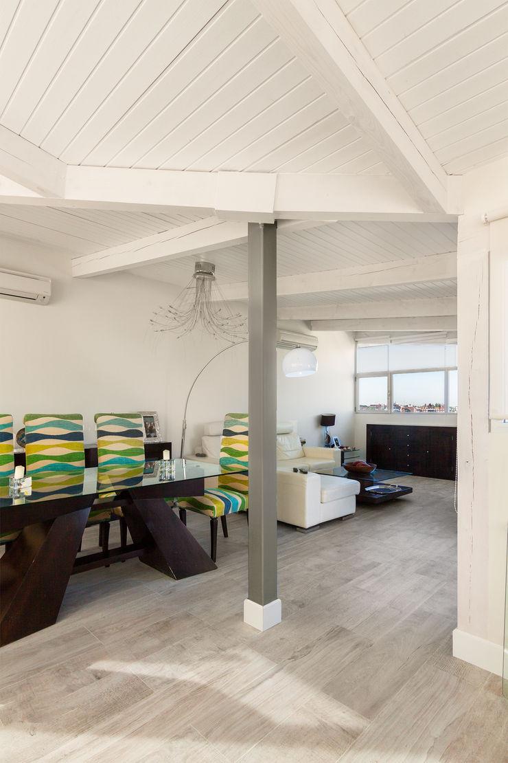 DISEÑO Y ARQUITECTURA INTERIOR Столовая комната в стиле модерн