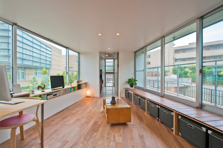 堀ノ内の住宅 水石浩太建築設計室/ MIZUISHI Architect Atelier モダンデザインの リビング
