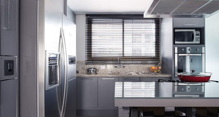 Blacher Arquitetura Modern Kitchen