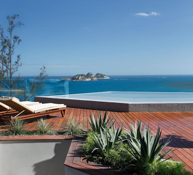 House in Rio Balcon, Veranda & Terrasse modernes