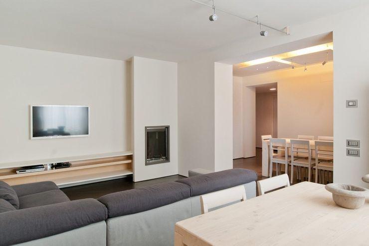 Andrea Stortoni Architetto 现代客厅設計點子、靈感 & 圖片