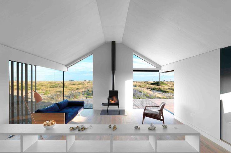 Pobble House Guy Hollaway Casas de estilo moderno