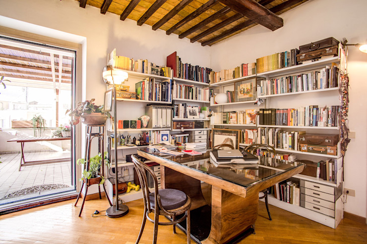 SUBURRA MOB ARCHITECTS Soggiorno moderno