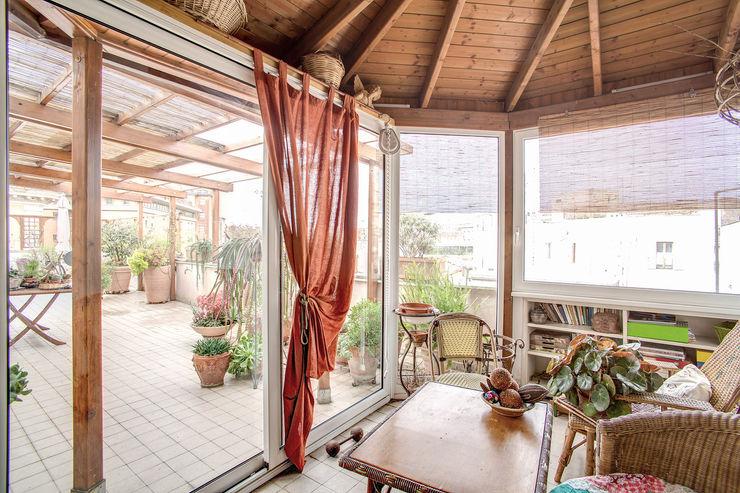 SUBURRA MOB ARCHITECTS Balcone, Veranda & Terrazza in stile moderno
