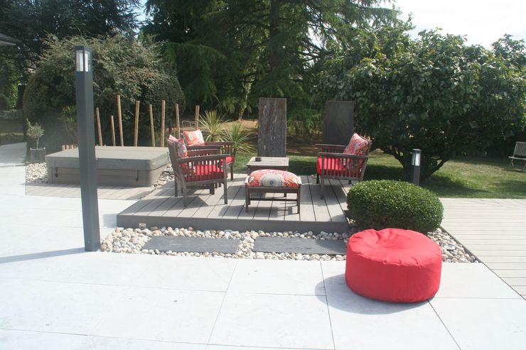 Zoom terrasse secondaire et spa EURL OLIVIER DUBOIS Jardin moderne