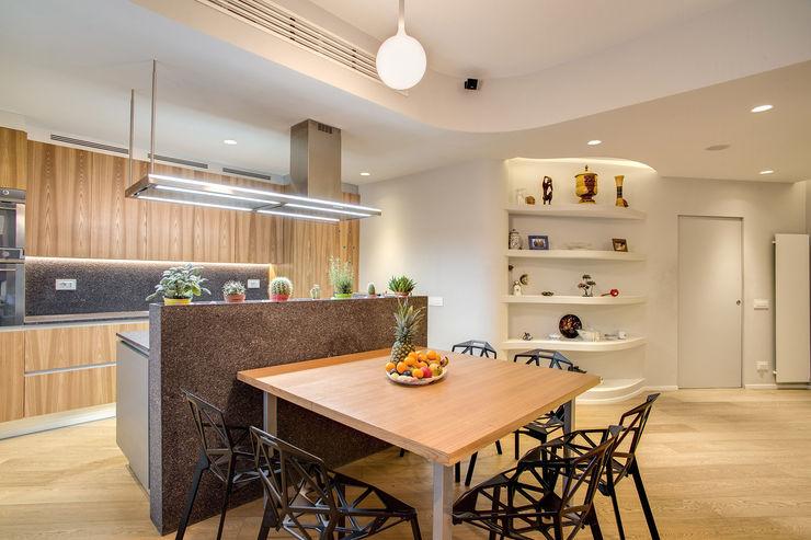 VEGEZIO MOB ARCHITECTS Sala da pranzo moderna