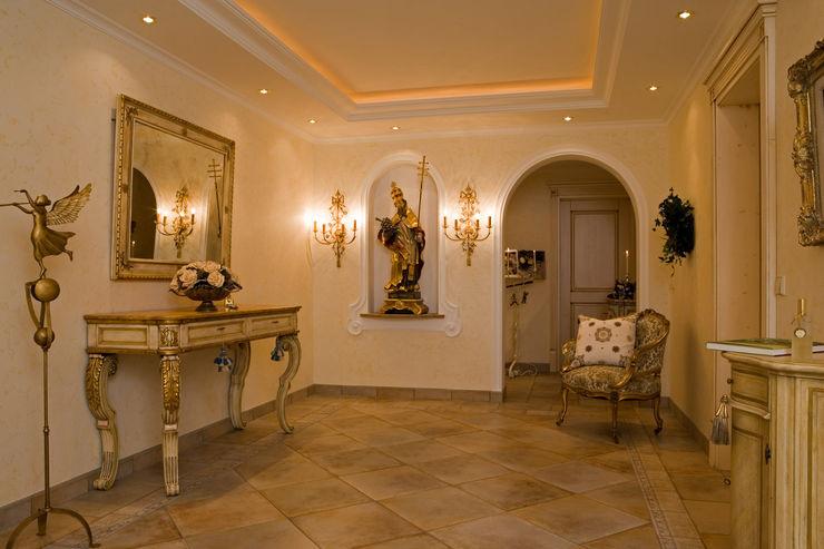 Beinder Schreinerei & Wohndesign GmbH Country style corridor, hallway& stairs