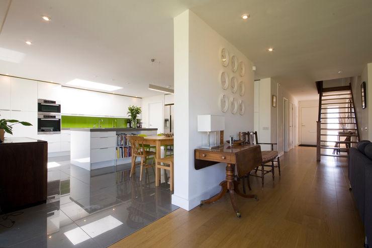 Calderwood Designscape Architects Ltd Corredores, halls e escadas modernos