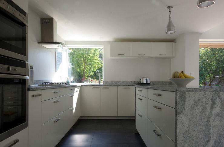 Cedar House Designscape Architects Ltd Dapur Modern