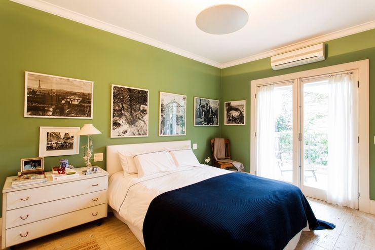 Pereira Reade Interiores Eclectic style bedroom