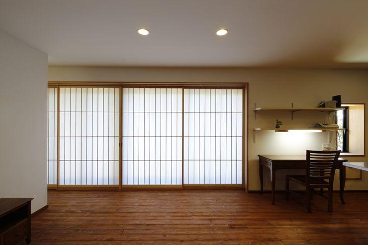 建具の効果 白根博紀建築設計事務所 モダンな 窓&ドア