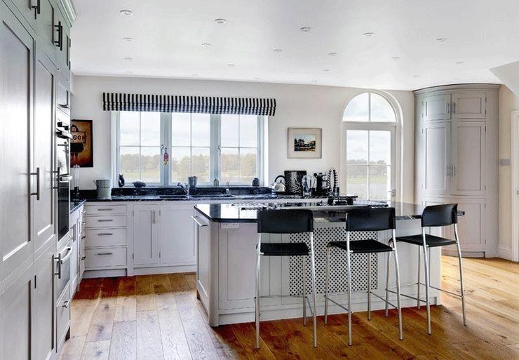 Harbourside kitchen Tim Jasper Country style kitchen