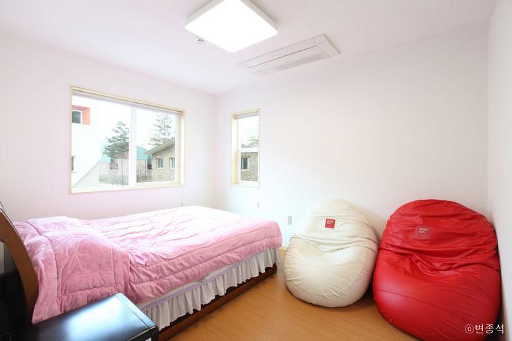 춘건축 Modern Bedroom