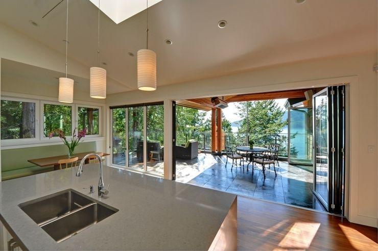 Glas-Faltwand SF 75, Projekt USA SUNFLEX Aluminiumsysteme GmbH Klassischer Balkon, Veranda & Terrasse