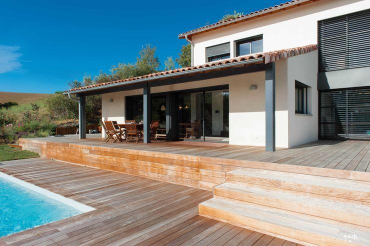 POUGET Agnès Modern style balcony, porch & terrace